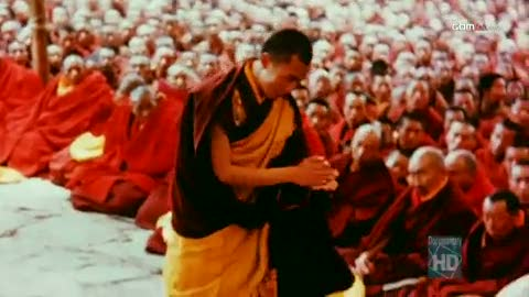 Dalai Lama debating during his Monastic Exams