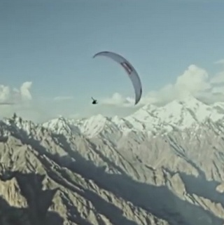 Hang Gliding along the Karakoram Highway